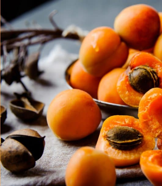 Apricot seed kernel oil